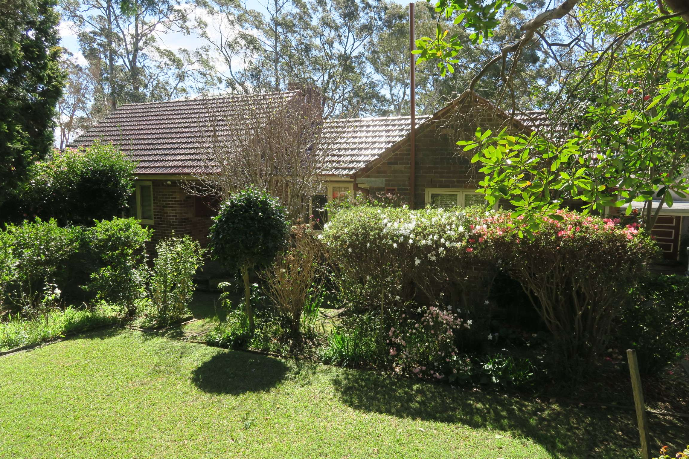 2 Frith Ave, Normanhurst NSW 2076