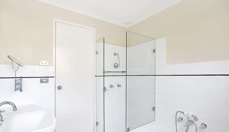 Glen Street - Bathroom - GYD